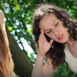 Talking-With-Your-Best-Friend-To-Relieve-Stress